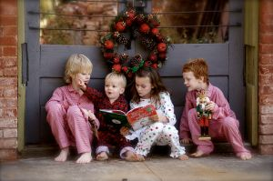 1280px-Children_reading_The_Grinch